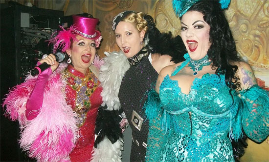 From left to right: Kitten on the Keys, Vivienne Vavoom and Renea LaRoux  ( ©Trixie Little)