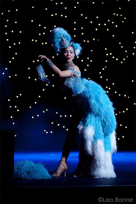 """What a knockout!"": Kalani Kokonuts is the ultimate burlesque showgirl...  (©Leo Bonne)"
