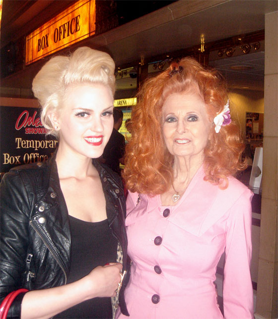 A surprise photo op with Tempest Storm! (© Please show respect and ask permission to use this image.)