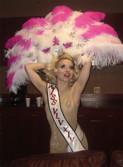 Inga Ingenue modelling her winner's headress backstage!  (©Slinky Sparkles. Please show respect and ask permission to use this image.)