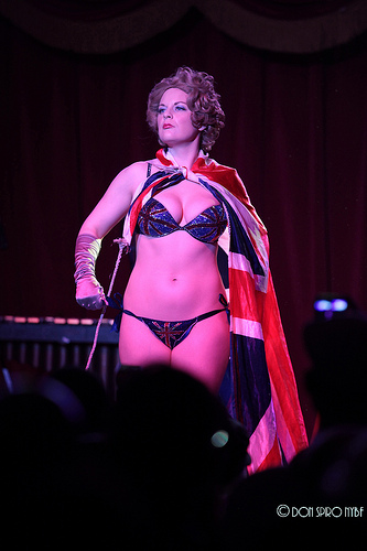 Honey Wilde at the 9th Annual New York Burlesque Festival  (© Don Spiro)