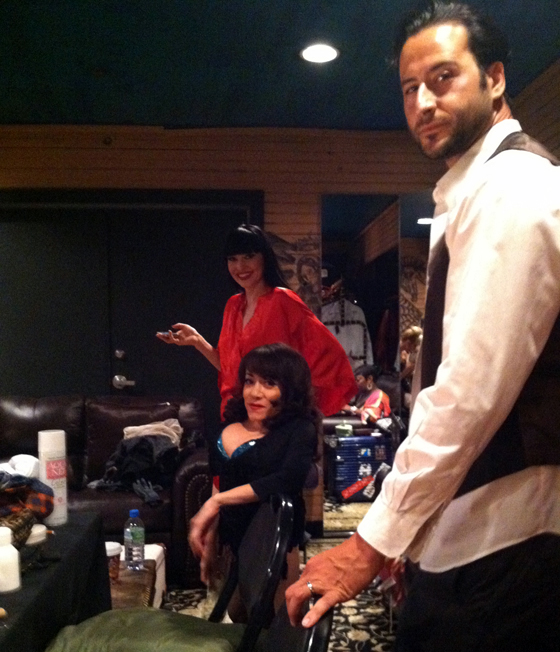 Lada Nikolska, Selene Luna and Monsieur Romeo hanging backstage.  ©Dirty Martini