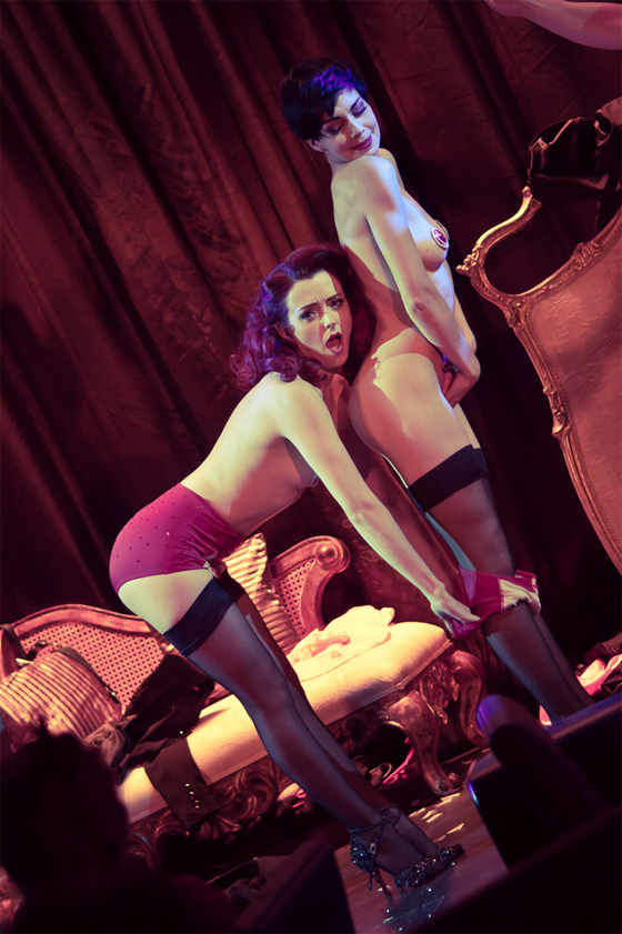 Polly Rae and Laurie Hagen giving plenty of cheek in Between the Sheets.  ©Oded Shein